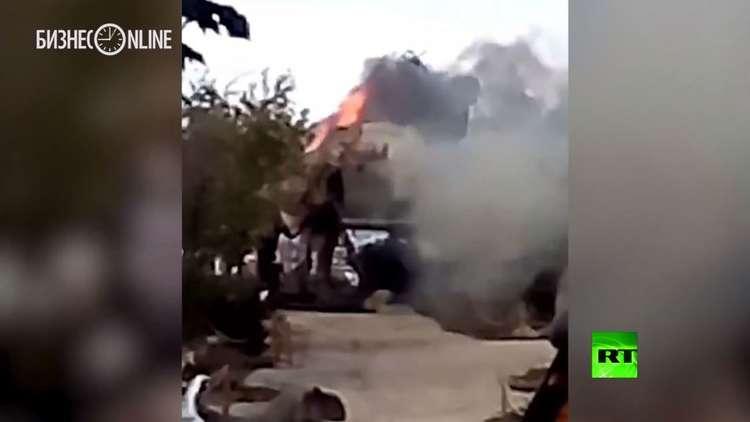 ألسنة النيران تبتلع ديناصورا عملاقا في روسيا