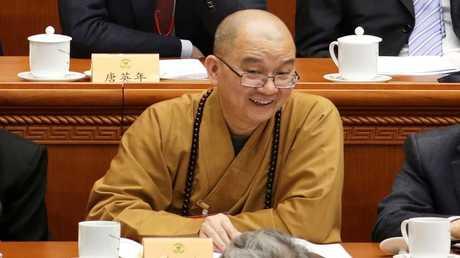 شيويه تشنغ، كبير الرهبان في معبد لونغ تيشيوان البوذي الشهير في الصين