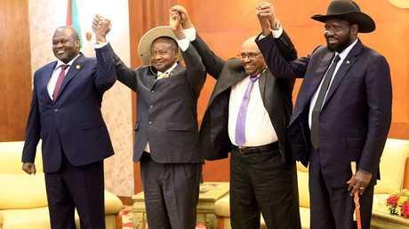 اتفاق السلام بين أطراف النزاع في جنوب السودان في الخرطوم - أرشيف