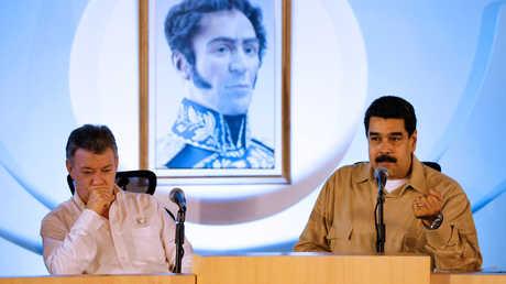 الرئيس الفنزويلي، نيكولاس مادورو، ونظيره الكولومبي، خوان مانويل سانتوس، خلال لقائهما في فنزويلا يوم 11 أغسطس 2016