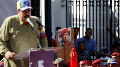 لعنة الكرسي في فنزويلا.. مادورو مرة واحدة وتشافيز ثلاث مرات!