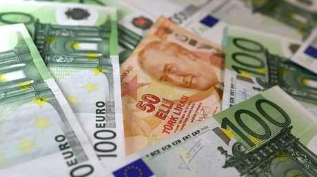 الليرة التركية تسجل انخفاضا في معدلات صرفها أمام العملات الأجنبية