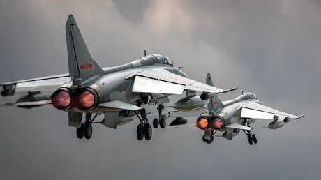 طائرتان عسكريتان صينيتان
