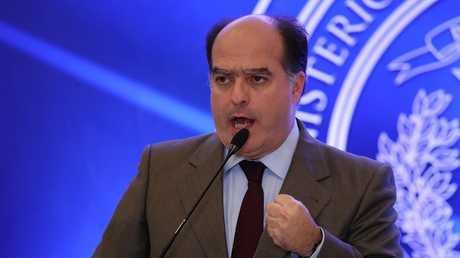 رئيس البرلمان الفنزويلي السابق، المعارض خوليو بورخيس
