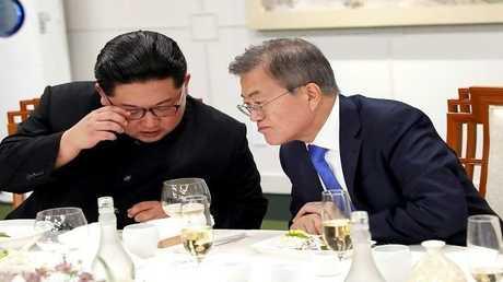 الرئيس الكوري الجنوبي مون جيه إن والزعيم الكوري الشمالي كيم جونغ أون