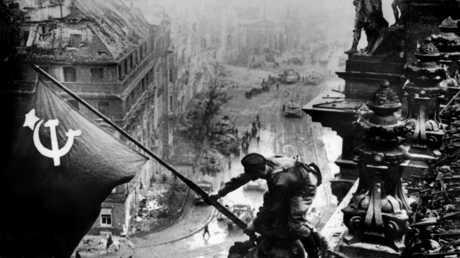 صورة التقطت عام 1945 في الثاني من مايو بعد سيطرة السوفييت على العاصمة برلين