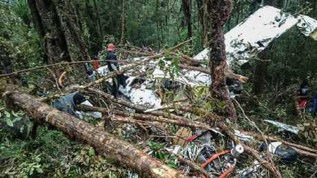 مكان تحطم طائرة صغيرة في أوكسيبيل، إندونيسيا
