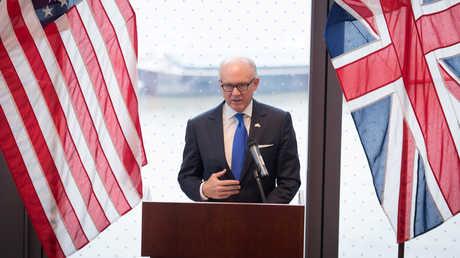 السفير الأمريكي لدى المملكة المتحدة، وودي جونسون