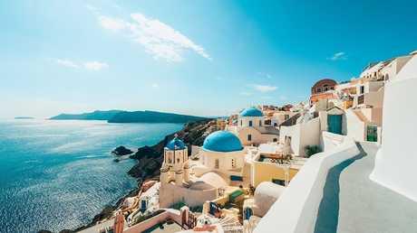 """""""الوظيفة الحلم"""" على جزيرة يونانية!"""