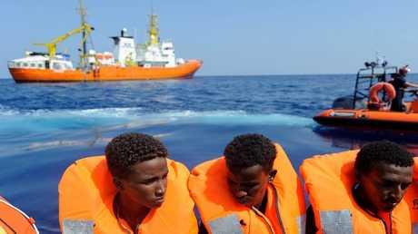المهاجرون من سفينة