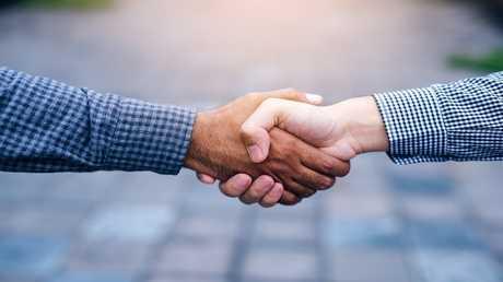 قبضة اليد الضعيفة تنبئ بأمراض خطيرة مستقبلا