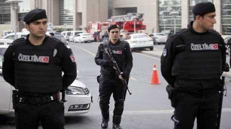 أفراد من الشرطة التركية