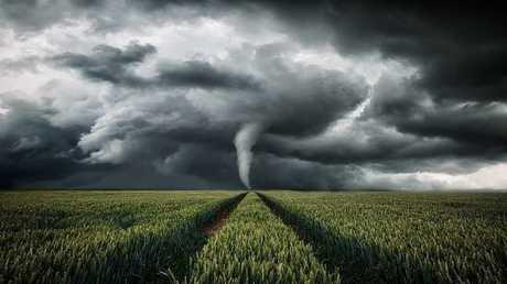 كيف تحصل العواصف والأعاصير على أسماء بشرية؟
