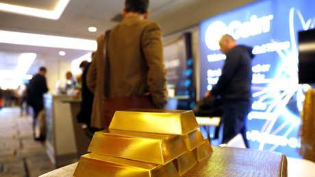 الذهب يتجه نحو تسجيل أكبر خسارة أسبوعية في أكثر من عام