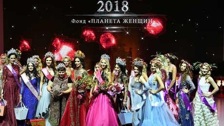 أنّا تيليغينا الفائزة بلقب سيدة روسيا في مسابقة