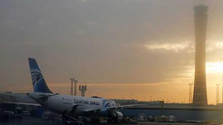 وزير يكشف عن خطة لزيادة أجور العاملين في قطاع الطيران المصري
