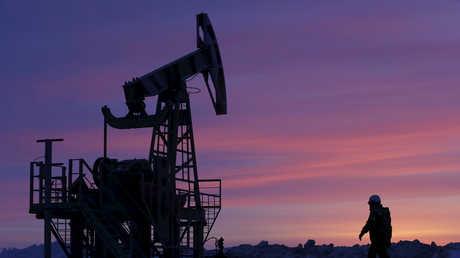 انخفاض النفط وسط مخاوف على النمو الاقتصادي