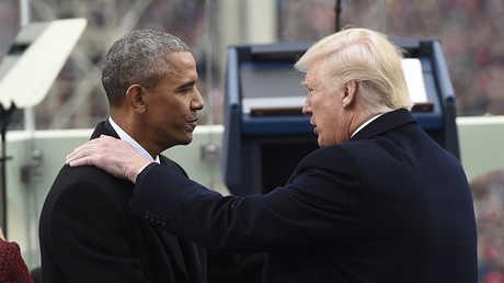 الرئيس الأمريكي دونالد ترامب وسلفه باراك أوباما