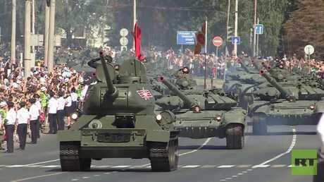شاهد بالفيديو.. العرض العسكري بمناسبة الذكرى الـ75 للنصر في كورسك
