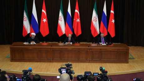 القمة الثلاثية لرؤساء روسيا وتركيا وإيران في سوتشي الروسية - أرشيف