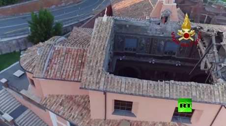انهيار سقف كنيسة تاريخية في روما