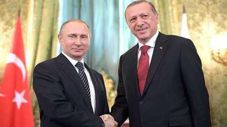 سياسي روسي يطالب بنشر قواعد عسكرية لبلاده في تركيا وإيران
