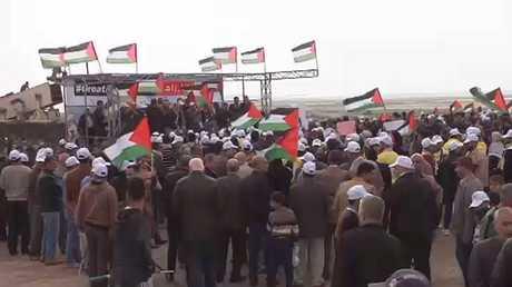 إصابة 240 فلسطينيا في مسيرات العودة بغزة