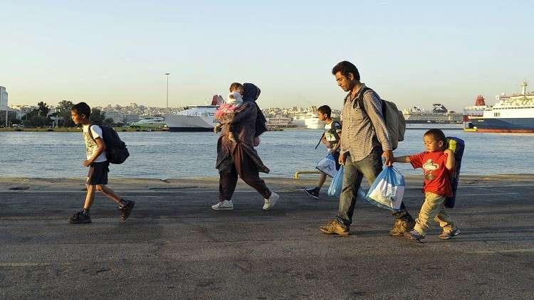 قبرص تنقذ 36 مهاجرا سوريا