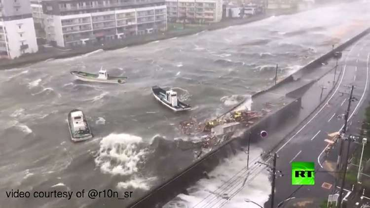 شاهد قوة إعصار