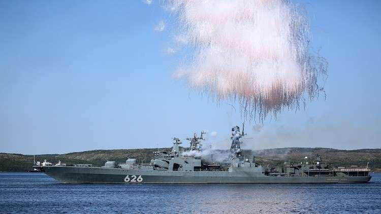 عملية إنزال برمائية على ساحل غير مجهز.. سفن أسطول الشمال الروسي تلتحق بمناورات