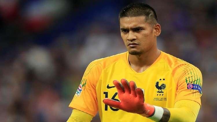 أريولا يخطف الأضواء في مباراة فرنسا وهولندا