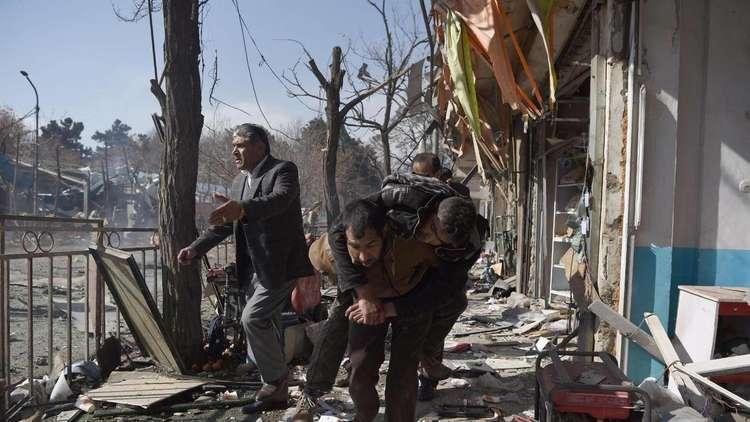 عشرات القتلى بتفجير انتحاري استهدف احتجاجا طالب بإقالة رئيس شرطة في مدينة أفغانية