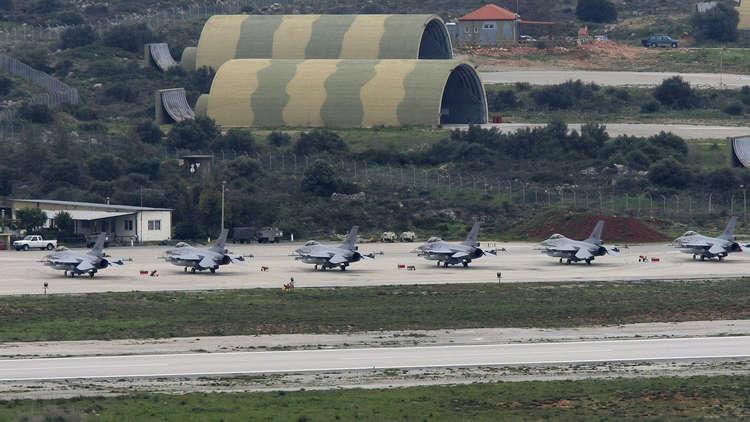 صحيفة: واشنطن تعمل على توسيع وجودها العسكري في اليونان بسبب تركيا وصواريخ