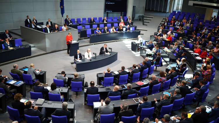 رئيس كتلة ألمانية: انضمام ألمانيا إلى ضربة ضد سوريا يهدد بمواجهة مع روسيا