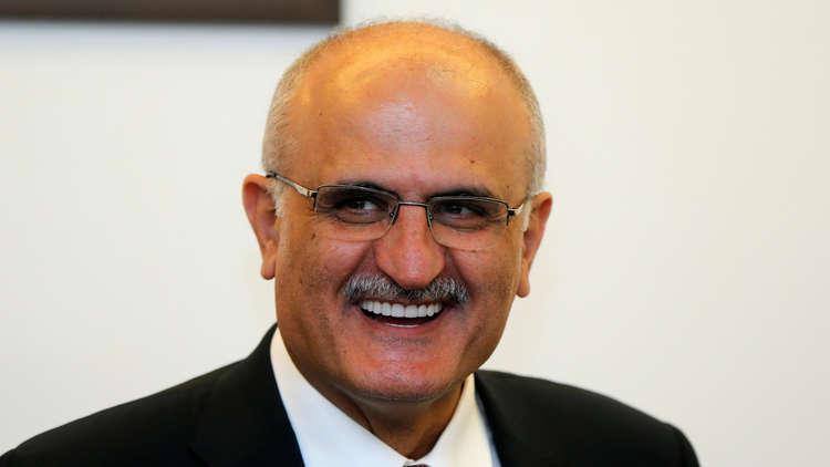 وزير: لبنان بحاجة لعمل سياسي لتجنب الانهيار الاقتصادي