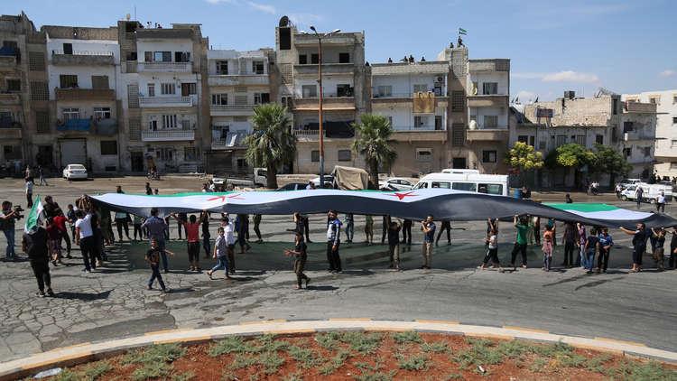 جبهة الجهاديين في إدلب يمكن أن تنهار في أي لحظة