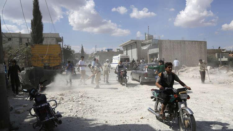 ناشطون: 185 شاحنة محملة بالأسلحة تعبر إلى إدلب
