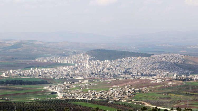 فصيل محسوب على تركيا يطرد مدنيين سوريين من عفرين