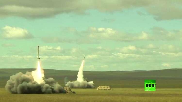 الجيش الروسي يطلق صاروخين من طراز