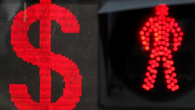 مصرفي روسي يطرح خطة ناجعة للتخلي عن الدولار
