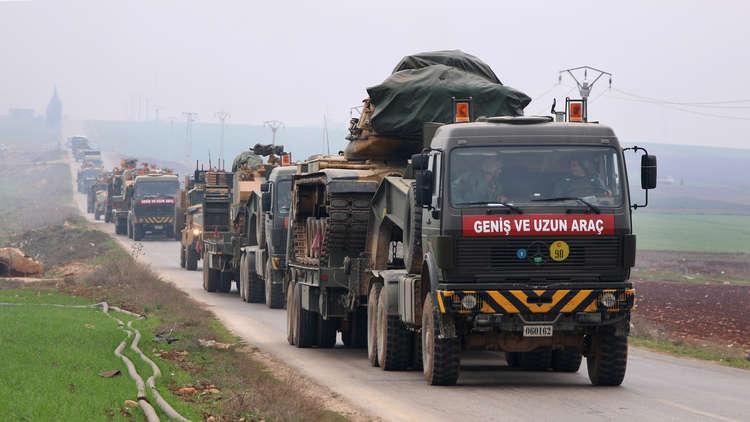 تعزيزات عسكرية تركية تتجه إلى الحدود مع سوريا