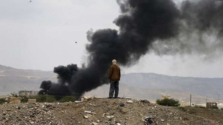 مقتل 4 أشخاص بغارة للتحالف العربي على إذاعة الحديدة