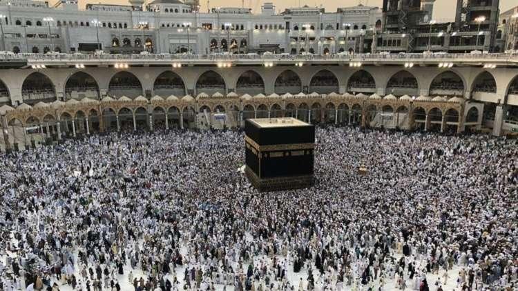 السعودية تتيح للمعتمرين التجوّل في مدنها