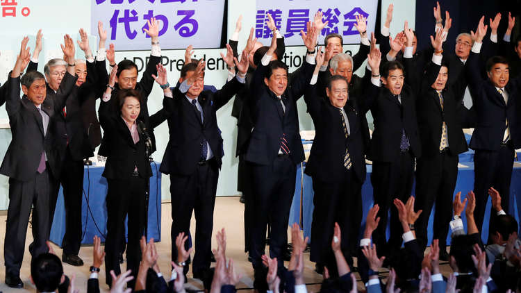 آبي يحافظ على منصبه رئيسا لوزراء اليابان