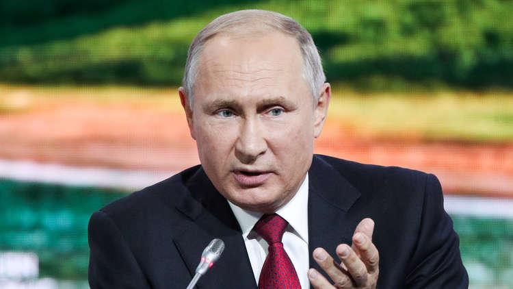 بوتين لإزالة العوائق أمام عمل المرأة