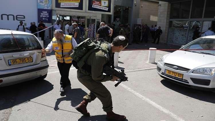 إسرائيل تهدد بخصم تعويضات منفذ عملية طعن من الضرائب الفلسطينية