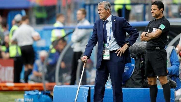 تاباريز باق مع أوروغواي حتى مونديال قطر