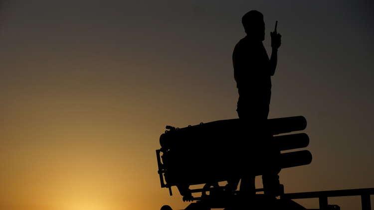 فصيل سوري معارض يجلي مسلحيه مع عوائلهم من مخيم الركبان إلى الشمال
