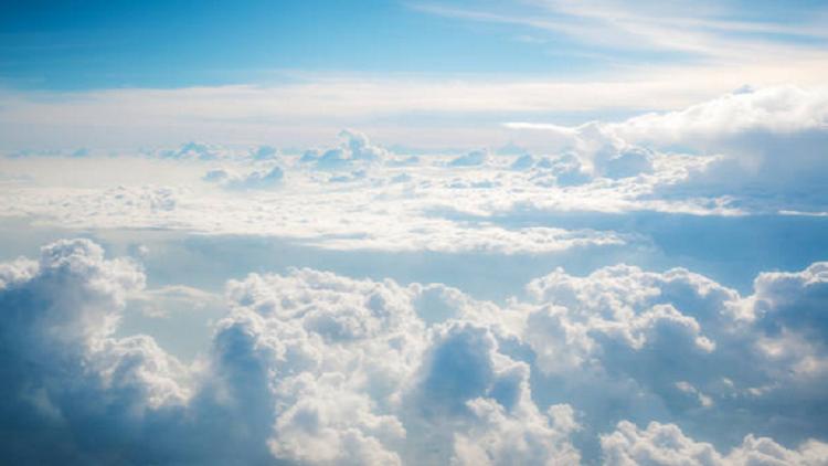ناسا تلتقط صورا مذهلة لسحب زرقاء نادرة!