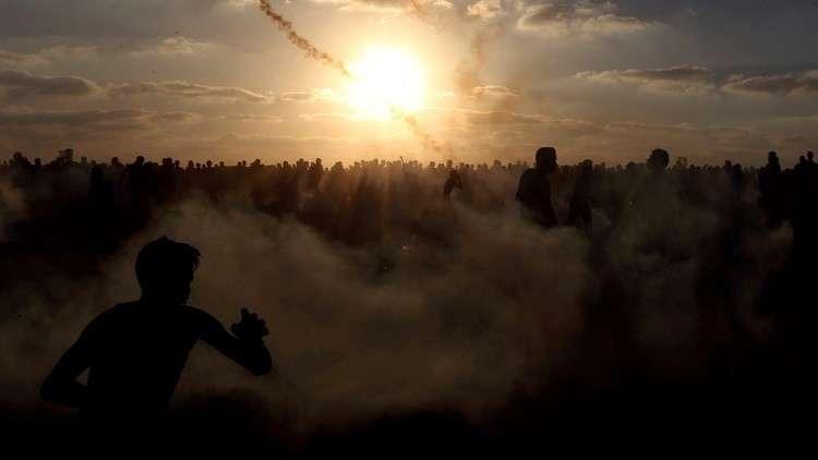 مقتل فلسطيني وإصابة العشرات بنيران القوات الإسرائيلية في غزة